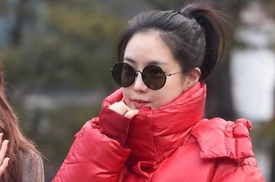 에이핑크 손나은, 출근길 시선강탈자…'오늘도 예쁨~' (세로직캠)