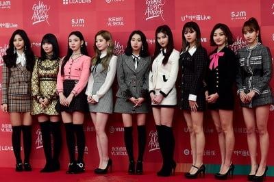JYP, 트와이스 등 소속 아티스트 흥행 기대 '강세'