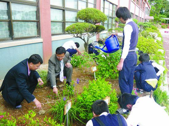경북중학교 선생님들의 '제자사랑 금연' ‥ 25년 핀 담배 끊자 애들도 따라오데요