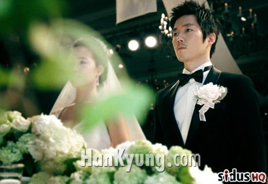 """[포토] """"신부 얼굴 보일듯~ 말듯~""""…장혁, 2일 비공개 결혼식"""
