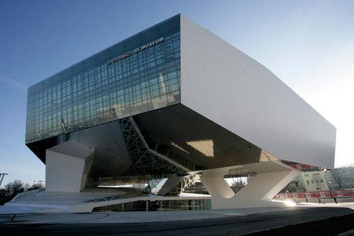 포르쉐 새 박물관 문 열어