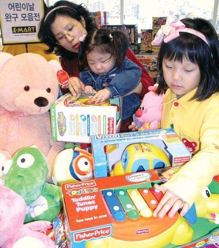 [5월은 가정의 달] 바비인형전…아동복 대전…감사선물 70%까지 할인도