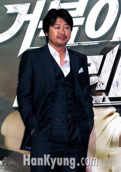 """김윤석 """"'거북이' 시나리오 본 순간 '추격자' 0.1%도 생각 안났다"""""""