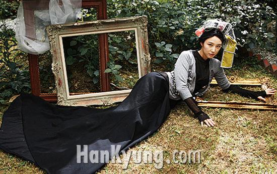 '배용준의 女' 이사강, 방송 첫 출연!