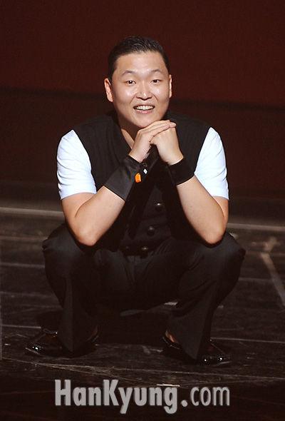 싸이, 10월 컴백 아이비 새음반 신곡작업