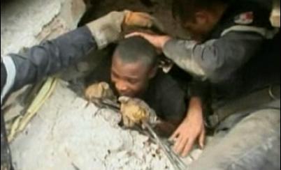 아이티 기적 생존자 잇따라…맥주·쿠키 먹고 생존