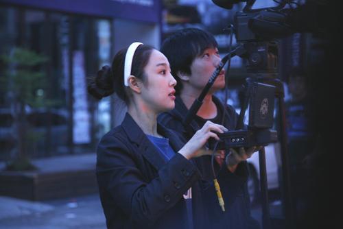 '배우보다 예쁜 감독' 이사강, 3D 영상 촬영분 공개