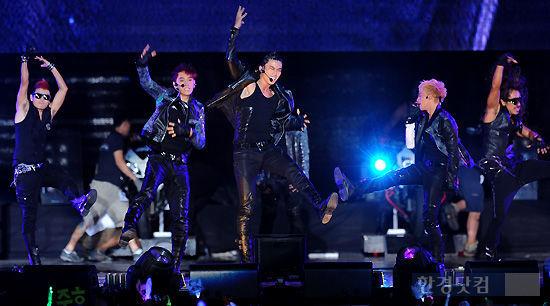 [포토] 2PM, '우린 멈추지 않아!'
