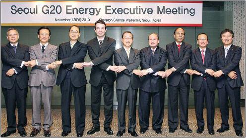 """귀국 미룬 글로벌 CEO들 """"한국서 新사업 기회 찾자"""""""