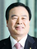 """[베스트 자산운용사] 차문현 우리자산운용 사장 """"자원개발 펀드·ETF 관심…내년까지 자산 20조 달성"""""""