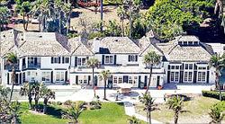 우즈 前부인, 1200만달러짜리 저택 부숴