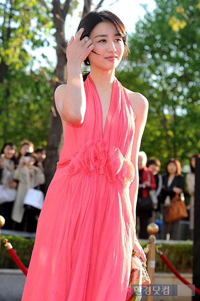 [포토] '백상예술대상' 박하선, '머리넘기는 모습이 예~뻐!'