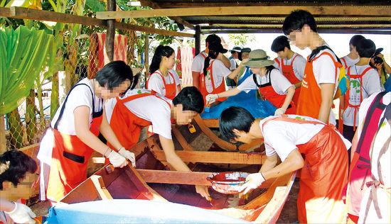 """국내 결손가정 아이들, 캄보디아서 봉사활동 """"빈민촌 봉사하러 가서 오히려 위로 받고 왔죠"""""""