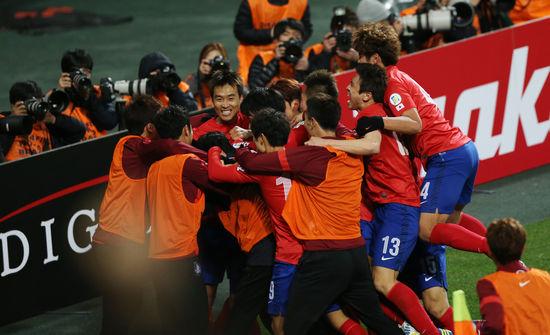 [월드컵축구] 손흥민 결승골 한국, 카타르 제압