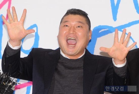 강호동 치킨사업 매출 300억 돌파…美서 류현진 효과 '톡톡'