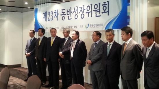 동반위, '100m 중재안' 확정…유통사들 동반지수 대거 낙제(종합)