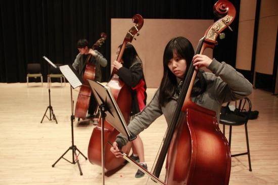 1인2기(음악) 활동 중인 하나고 학생들.