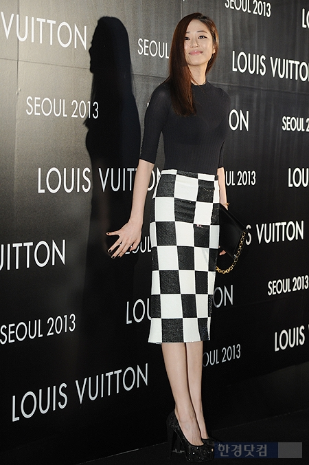 [포토] 김효진, '늘씬한 8등신 S라인 몸매 뽐내며~'