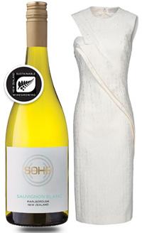 사진= 소호 '화이트 콜렉션' 쇼비뇽 블랑(왼쪽)과 스텔라 매카트니의 흰 옷 작품. 사진=스텔라 매카트니