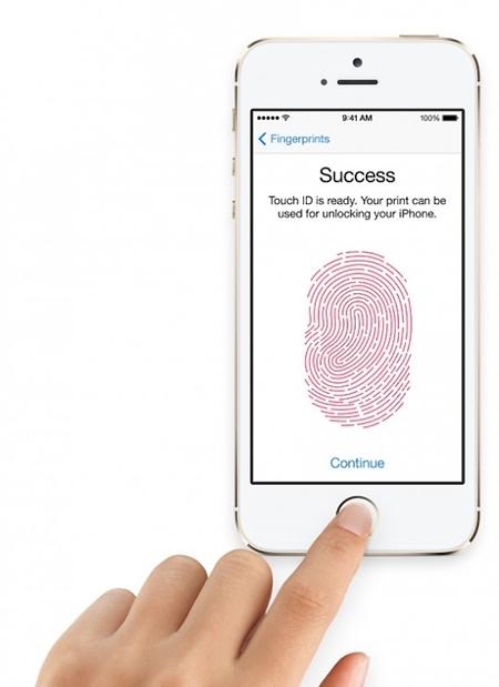 사진= 애플이 아이폰5S에 선보인 '지문 인식' 기능. 출처=애플 공식 홈페이지