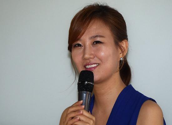 가수 장윤정 고발한 블로거 명예훼손·모욕 혐의 구속