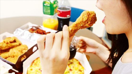 서구형 식습관으로 암 늘어…채소 '한 접시' 드시고 식사 어때요?