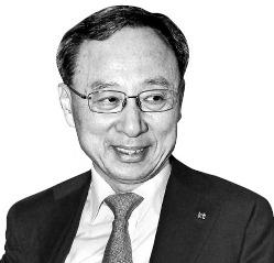 """""""더 이상 물러설 곳 없다"""" KT 기강잡기 나선 황창규"""