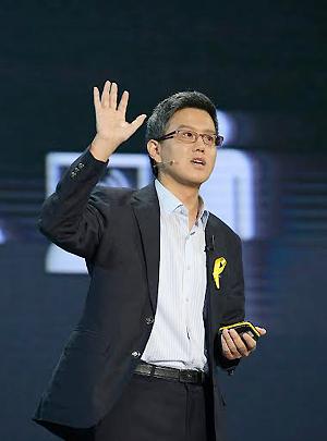 손화철 한동대학교 글로벌리더십학부 교수. 날카롭고 시원한 화법으로 디지털 디스토피아의 폐해를 역설하고 있다.