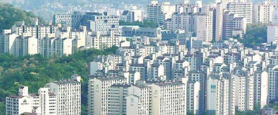 주택 전월세 과세안 수정…집 몇 채냐 대신 '임대소득 年2000만원 넘냐'만 따진다