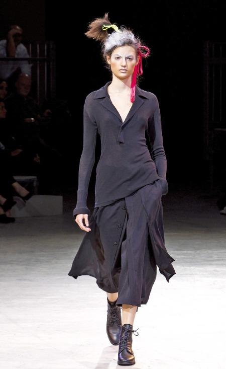 요지 야마모토 일본 브랜드지만 유럽 패션계서 더 명성 무채색 기반 전위적 스타일