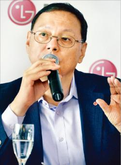 """[IFA 2014] IFA서 만난 조성진 LG전자 사장 """"LG, 스마트홈서 한발 앞서가…에너지 효율도 경쟁사들 압도"""""""
