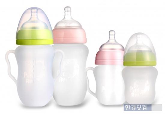 유아용품 전문 제조기업 '프띠아띠'는 고온에서도 환경호르몬이 나오지 않는 액상실리콘 소재의 유아용품 30여 종을 선보이고 있다. 사진은 프띠아띠의 실리콘 젖병 제품 이미지 / 프띠아띠 제공.