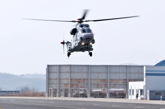 한국항공우주, 해병대 상륙기동헬기 초도비행 성공