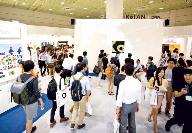 미래창조과학부는 27일부터 30일까지 서울 코엑스에서 열리는 '월드IT쇼(WIS)'에 '디지털 콘텐츠 미래 비전관'을 설치한다. 미래창조과학부 제공