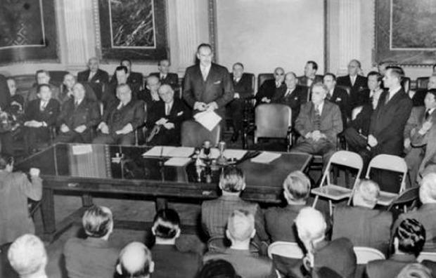 1944년 7월 미국 뉴햄프셔 브레턴우즈에서 열린 '브레턴우즈 회의' 장면.