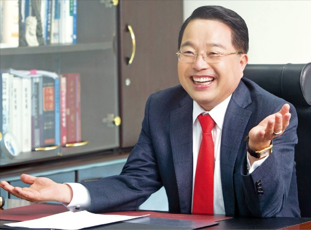 """[건설사 CEO] """"28년 부동산 개발사업 경험 살려 2025년까지 시공능력 20위로 도약"""""""