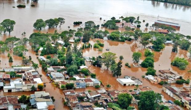 남미 강타한 '슈퍼 엘니뇨'…파라과이 등 홍수로 16만명 대피