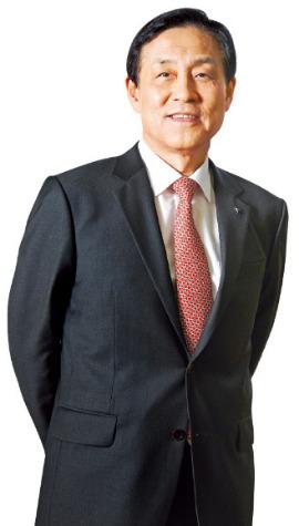 """김정태 회장 """"은행 둘러싼 시공간 바뀌는 중…핀테크·슬로뱅킹으로 승부"""""""