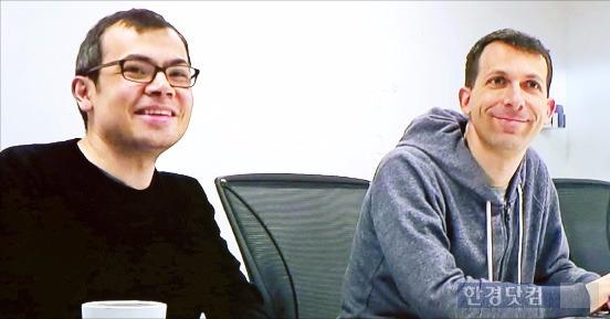 알파고를 개발한 데미스 하사비스 구글 딥마인드 창업자(왼쪽)와 데이비드 실버 연구총괄. / 한경 DB