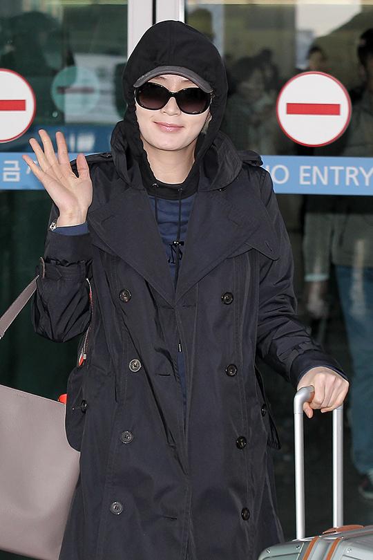 [포토] 김혜수 '조심히 다녀올게요'