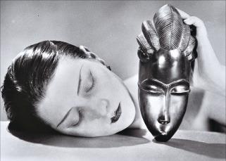 만 레이의 1926년작 '흑과 백'