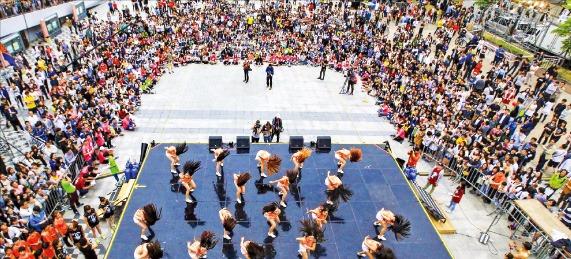 매년 5월5~8일 안산 문화광장에서는 국제거리극축제가 열린다. 안산시 제공