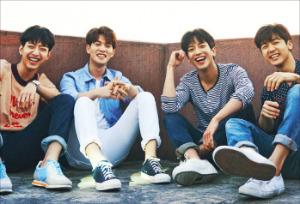 기타 든 K팝 스타 씨엔블루, 미니앨범 'Blueming' 발매