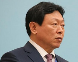 """신동빈 롯데그룹 회장 """"유통시장, 온라인 70%로 재편될 것"""""""