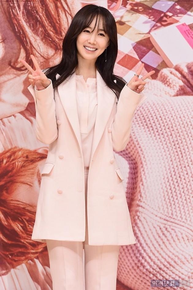 [HEI포토] 김민서, '애교 가득한 브이~'