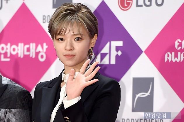 [HEI포토] 트와이스 정연, '팬들 마음 흔드는 아이컨택~' (SBS 연예대상)