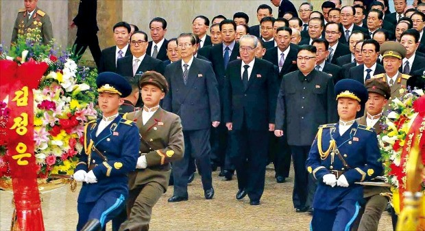 장남 암살됐는데…'김정일 생일'만 띄우는 북한