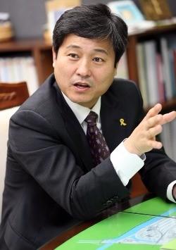 '지방분권' 외치는 구청장들, '3당 개헌합의' 강력 비판