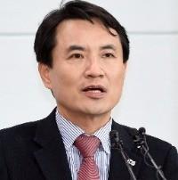 """김진태 """"평화적 흡수통일로 경제도약해야""""…첫 공약발표"""