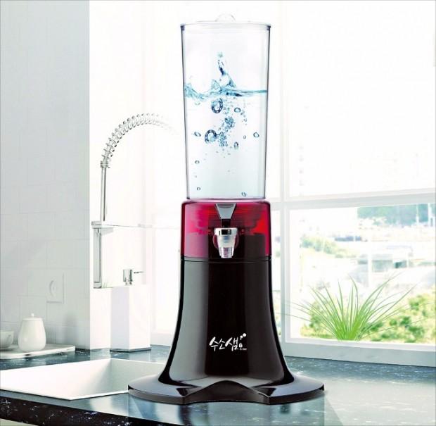 '수소 넣은 물' 각광…노화 막아주고 당뇨에도 효과 있다는데